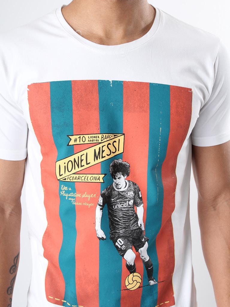 FC 140312 Messi stretch 2 print