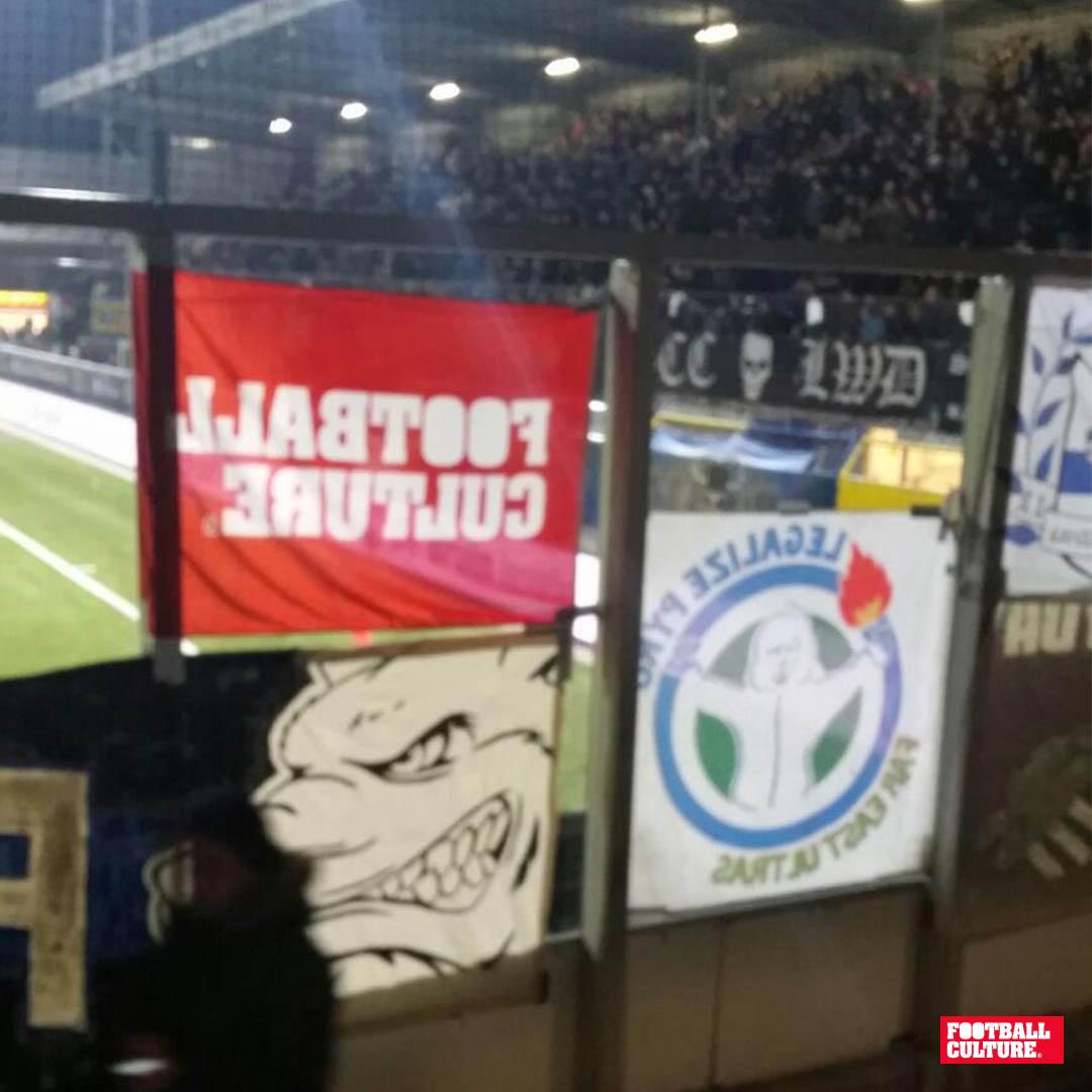 FC 151201 FootballCulture Vlag rood 4